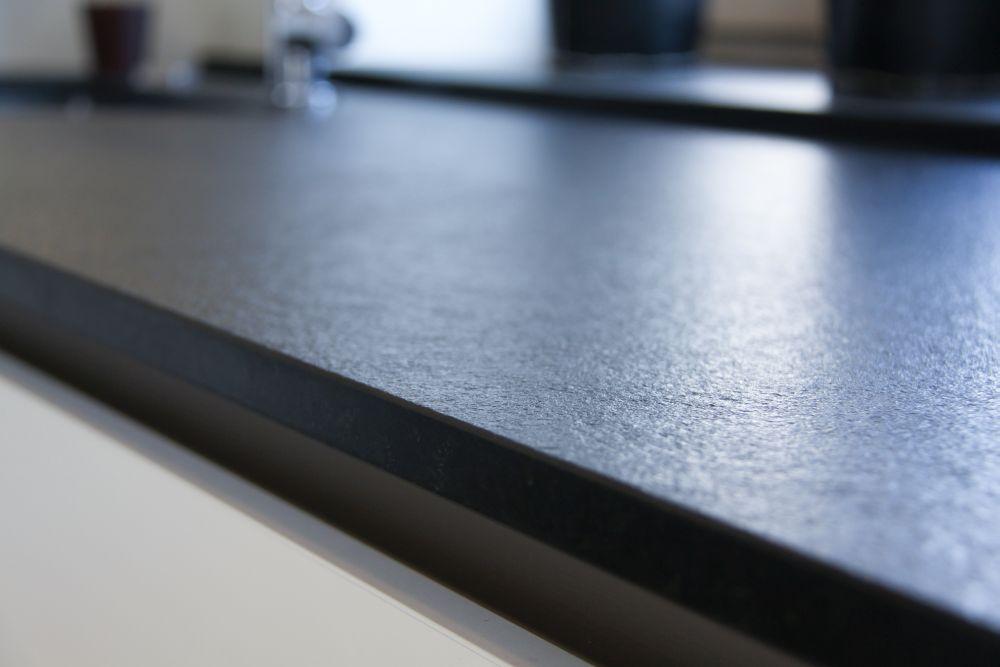 k chen aus naturstein hygienisch langlebig edel. Black Bedroom Furniture Sets. Home Design Ideas