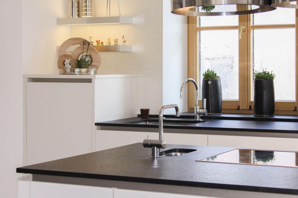 naturstein kchenplatte fabulous granit juparana. Black Bedroom Furniture Sets. Home Design Ideas